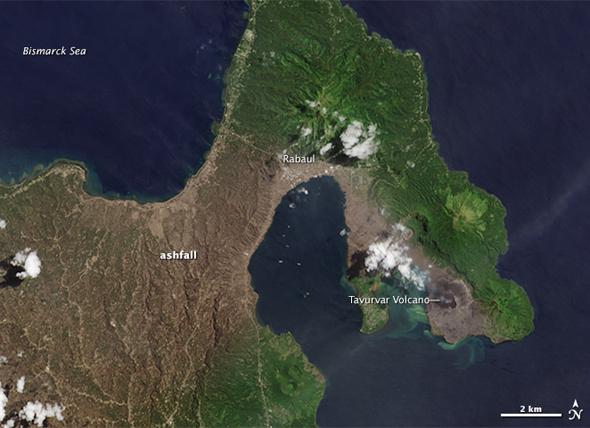 Erupţia vulcanului Tavurvur, surprinsă de sateliţi