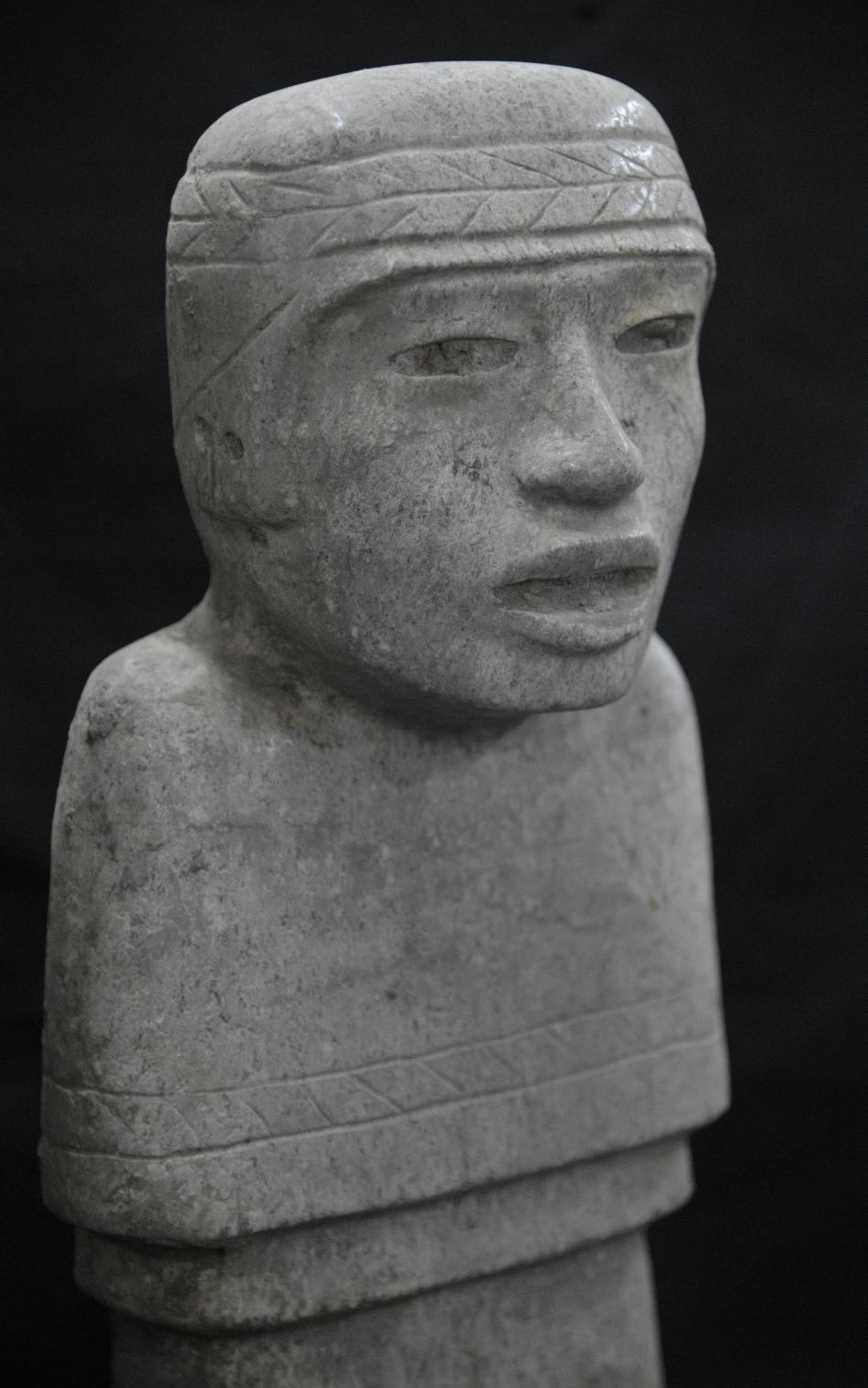 Statuie de piatră descoperită în tunel