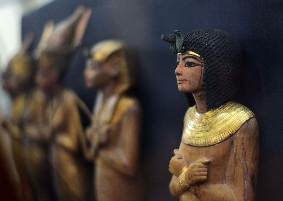 Statuete ale lui Tutankhamon
