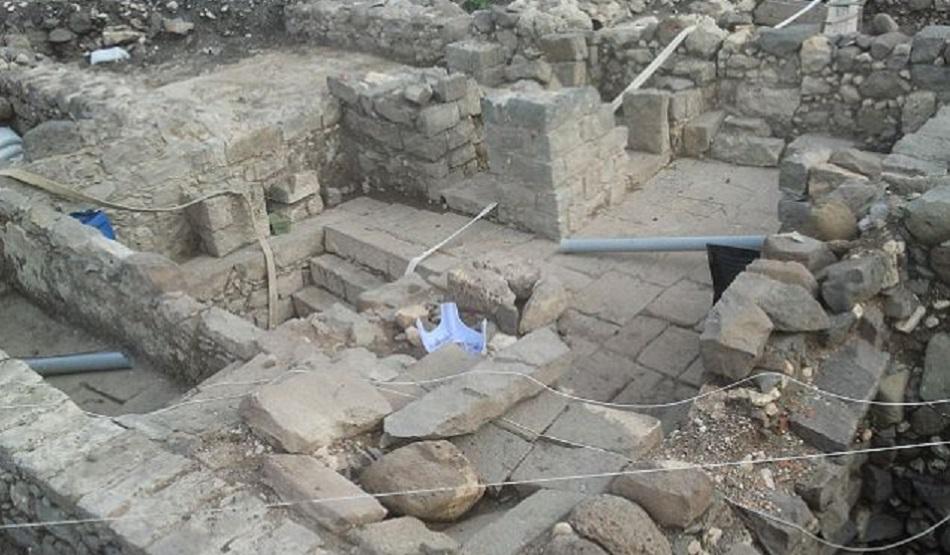 Ruinele sinagogii