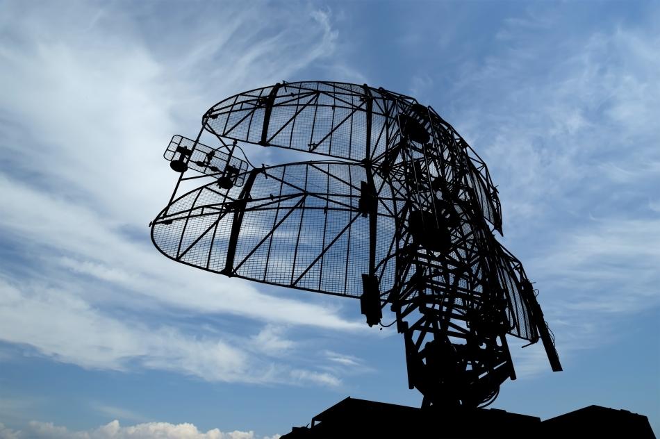 Radar antirachetă de mare performanţă