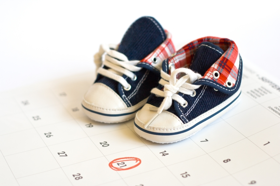 Când vine bebeluşul? Medicii încă nu estimează cu o precizie mulţumitoare data naşterii, ca urmare a faptului că durata sarcinii la om este foarte variabilă, în ciuda a ceea ce s-a crezut multă vreme.