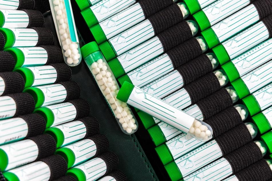 Remediile homeopate se bazează pe diluţii foarte mari ale unor substanţe active