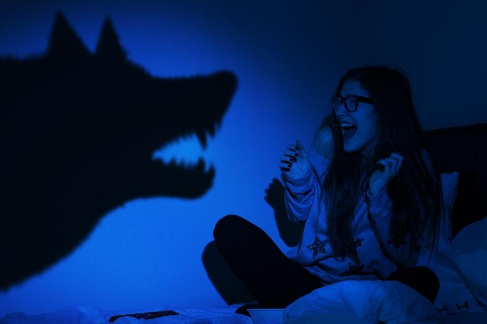 Teama de lupi - o frică ancestrală a oamenilor din multe ţări - se regăseşte în miturile despre transformarea fiinţelor umane în animale.