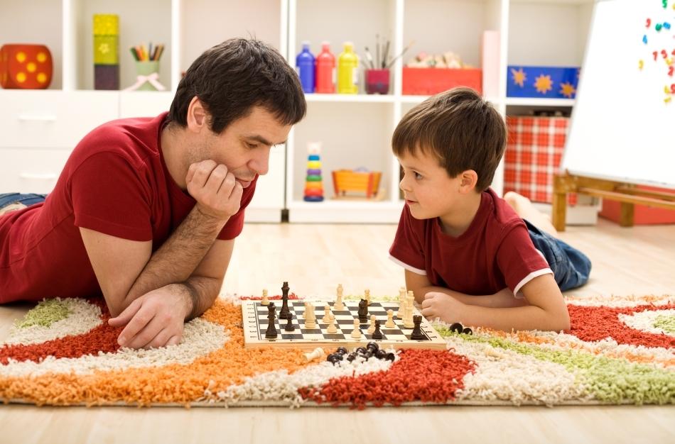Medina afirmă că familiile care cresc copii morali urmează câteva tipare foarte predictibile atunci când vine vorba de reguli şi disciplină.