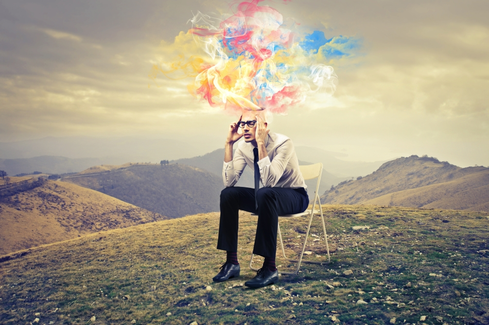 Nu este nevoie să medităm pe un vârf de munte pentru a deveni mai conştienţi, putem face acest lucru şi în timp ce muncim.