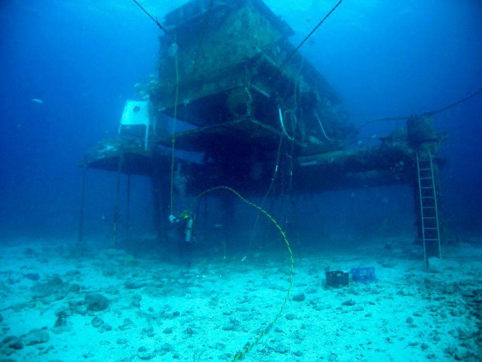 Aquarius, laboratorul subacvatic în care se desfăşoară programul NEEMO.