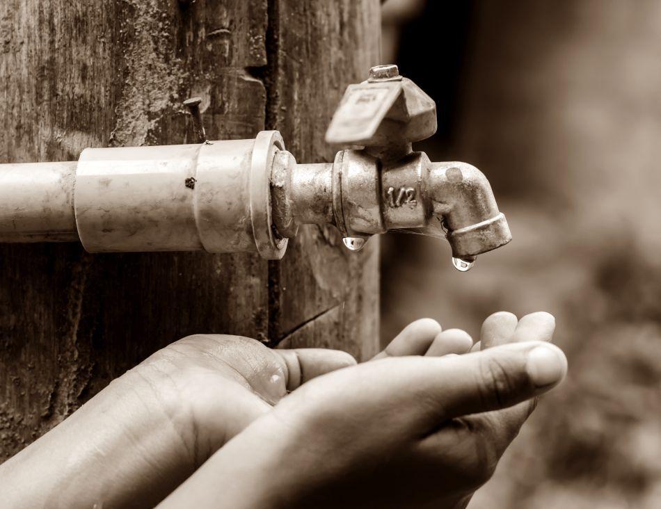 Raţionalizarea apei potabile este o măsură care se va impune de la sine în majoritatea ţărilorlumii.