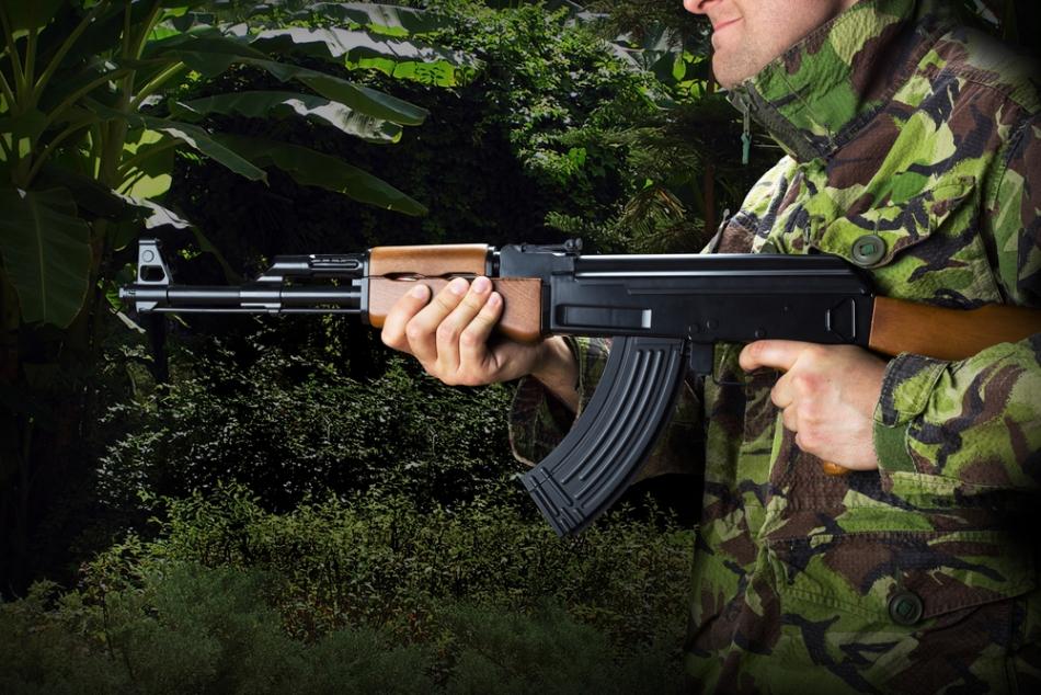 Arma favorită a lui Mătăsăreanu, AK47.