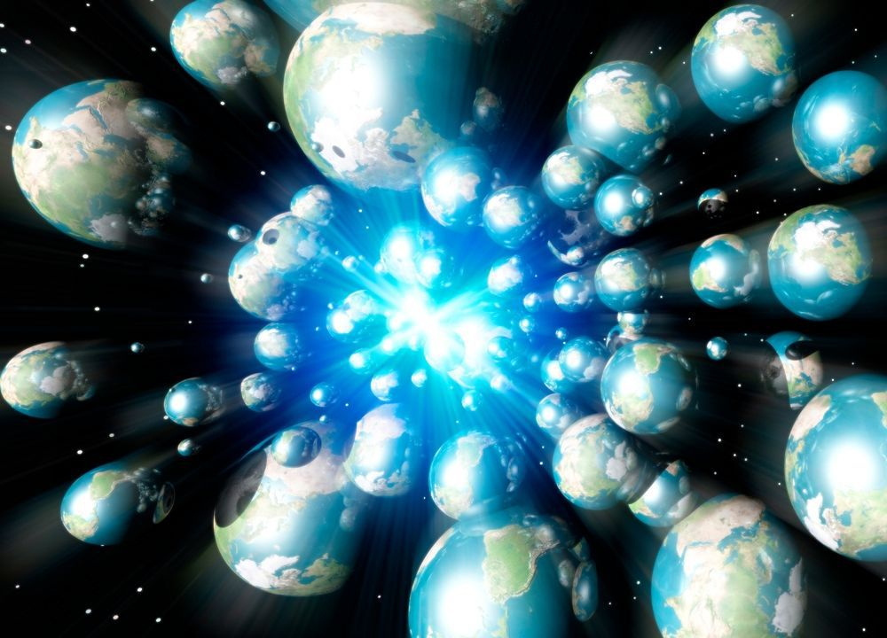 Lanza crede în teoria multiversului, conform căreia există un număr infinit de universuri paralele, care alcătuiesc realitatea fizică