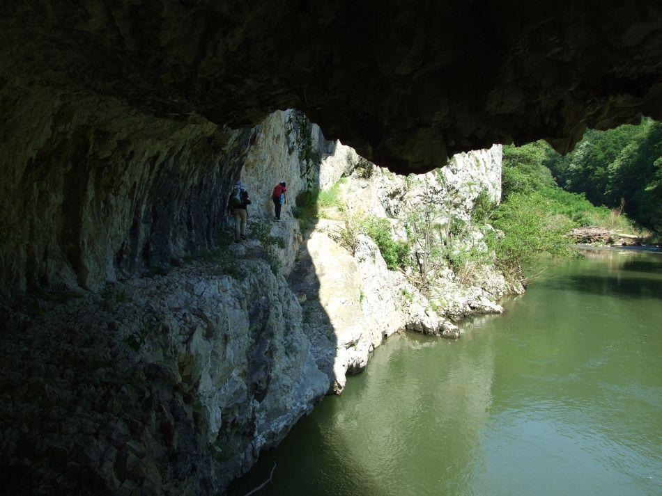 Rezervaţia Cheile Nerei-Beuşniţa şi frumuseţea ei sălbatică