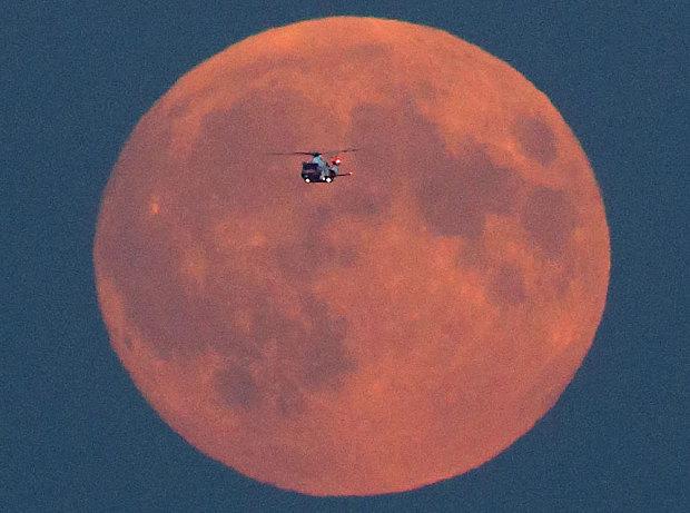 Fenomen astronomic rar: Eclipsa de Lună şi Super Luna, 28 septembrie 2015 / Surse foto: NASA, Hepta, Richard Austin, Ross Parry / SWNS