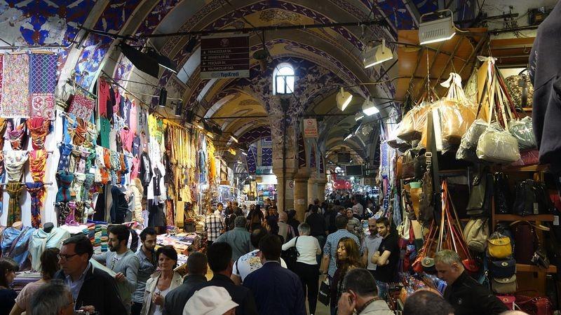Marele Bazar din Istanbul locul marcant al istoriei şi culturii turce. FOTO