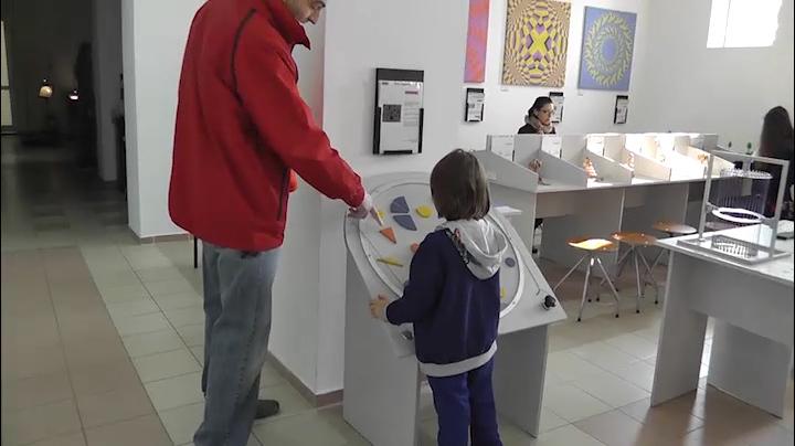 Primul centru de experimente şiinţifice din România. Ce poţi învăţa şi testa în
