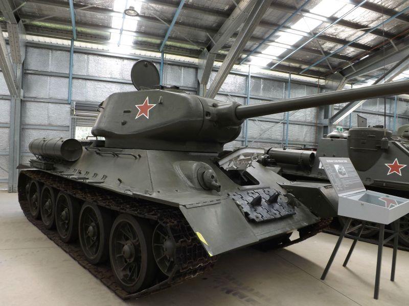T-34-85, tancul sovietic care a câştigat Al Doilea Război Mondial, a fost folosit apoi de multe state