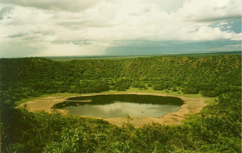 Craterele lăsate de impactul meteriţilor cu Pământul