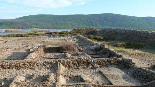 Ruinele cetăţii Por Bazhyn