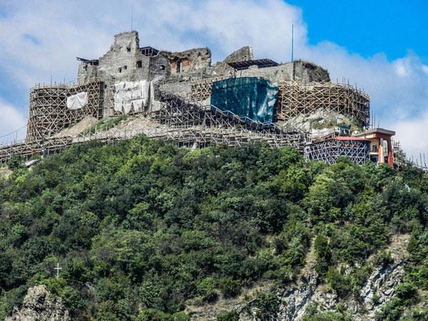 Cetatea Deva/ Sursa foto: cetateadeva.ro