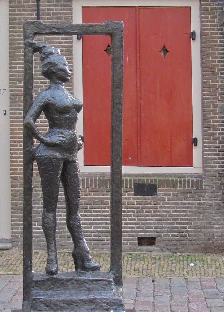 Belle este statuia dedicată lucrătorilor din industria sexuală