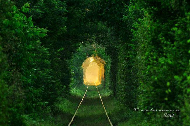 Tunelul Iubirii, în viziunea fotografului Florin Avramescu