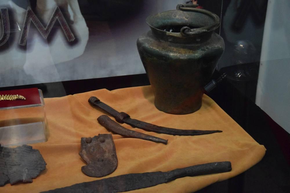 Artefacte din Mormântul Princiar dacic de la Cugir, expuse la Muzeul Unirii din Alba Iulia