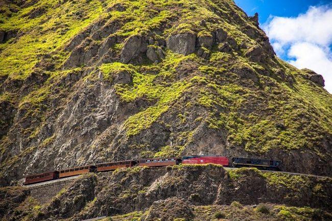 Calea ferată din Ecuador construită împotriva dorinţei Diavolului