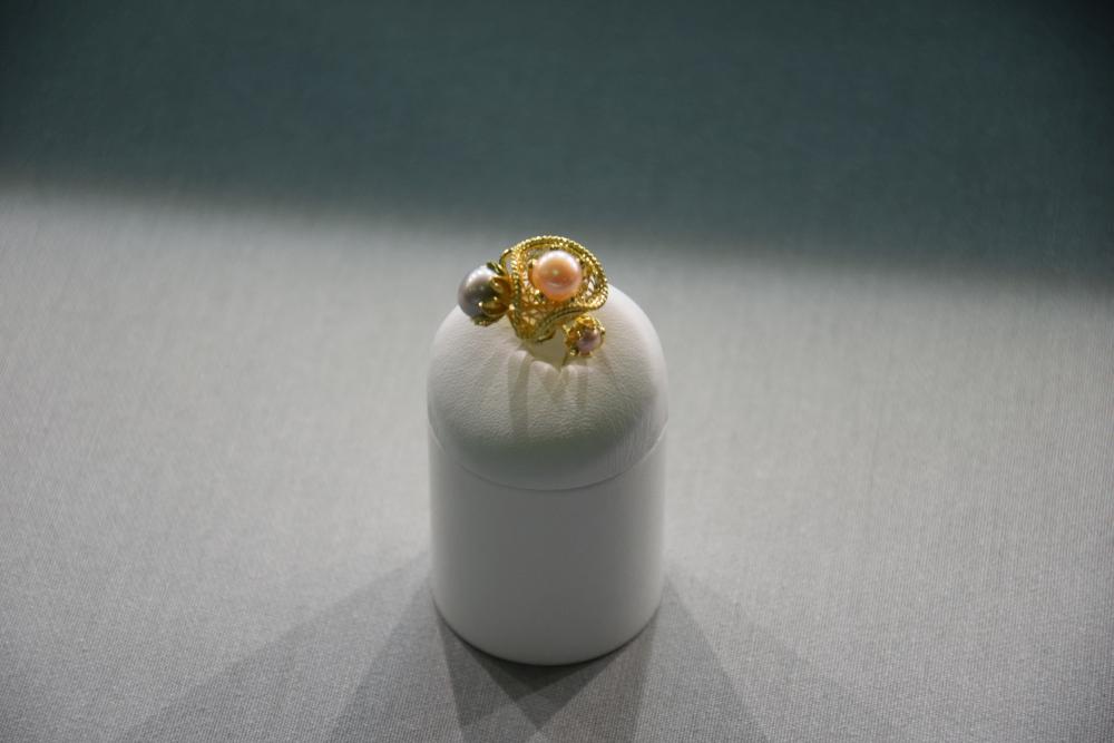 Podoabe de aur cu puritate de peste 99%, expuse la Alba Iulia