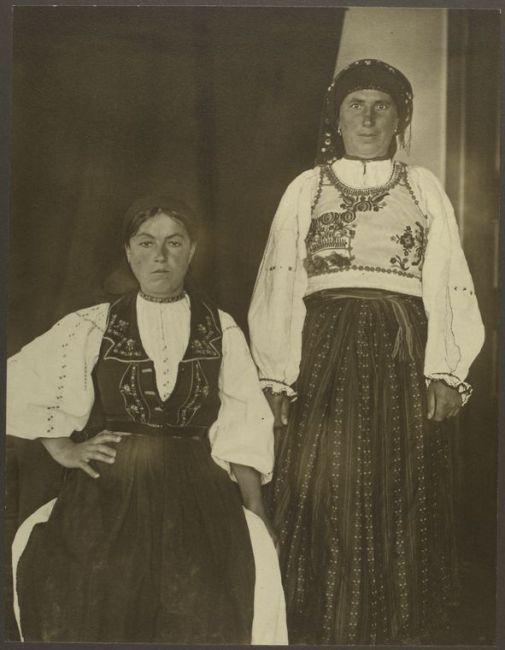 Portretele imigranţilor europeni sosiţi pe Ellis Island