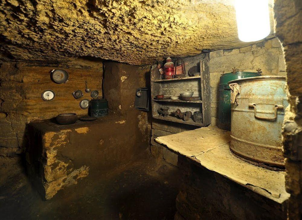 Catacombele din Odesa, cea mai mare reţea de tuneluri subterane din lume