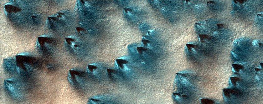 Imaginile SPECTACULOASE de pe suprafaţa planetei Marte. NASA a surprins zona unde s-a prăbuşit Schiaparelli, sonda de aterizare a ESA
