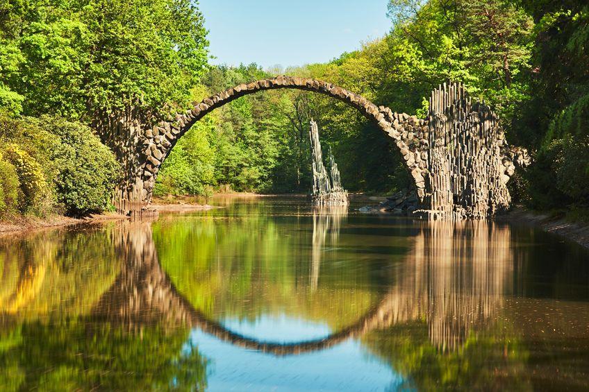 INCREDIBILUL pod din Germania construit de cavalerii din zonă