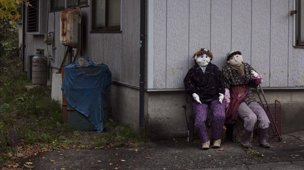 Locuitorii unui sat din Japonia sunt înlocuiţi cu păpuşi