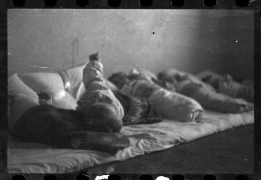Imaginile îngropate de către un fotograf evreu în timpul Holocaustului
