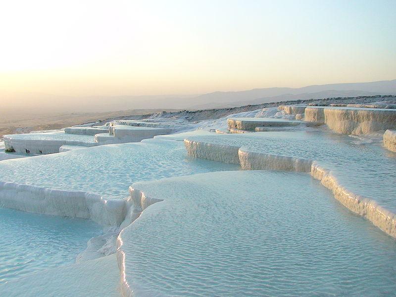 Piscinele calcaroase din Turcia în care se relaxau romanii