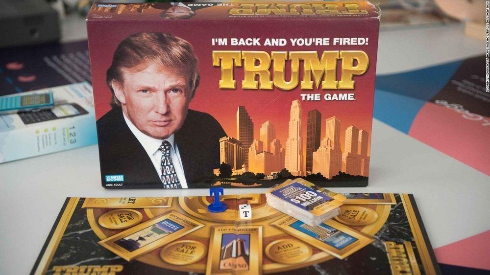 ,,Muzeul Eşecurilor'' conţine un produs realizat de către Donald Trump