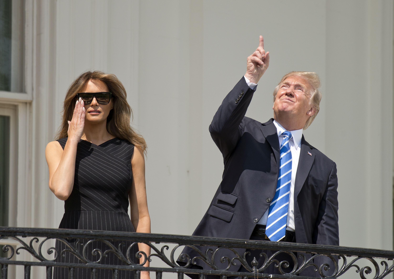 Imagini UIMITOARE suprinse în timpul eclipsei totale de Soare