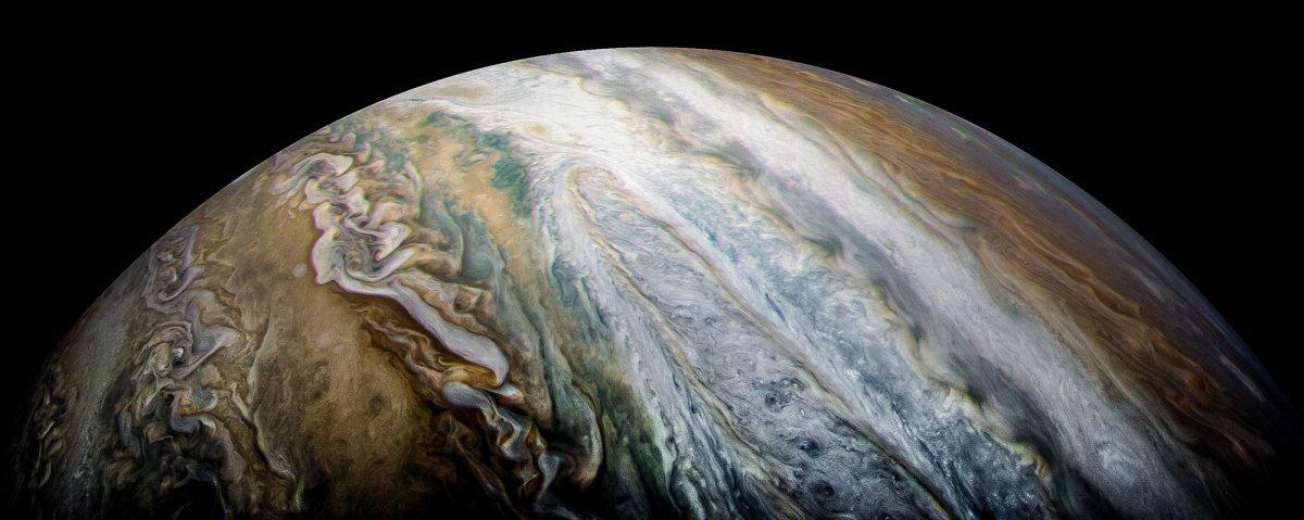 Cele mai frumoase imagini cu Jupiter realizate până acum