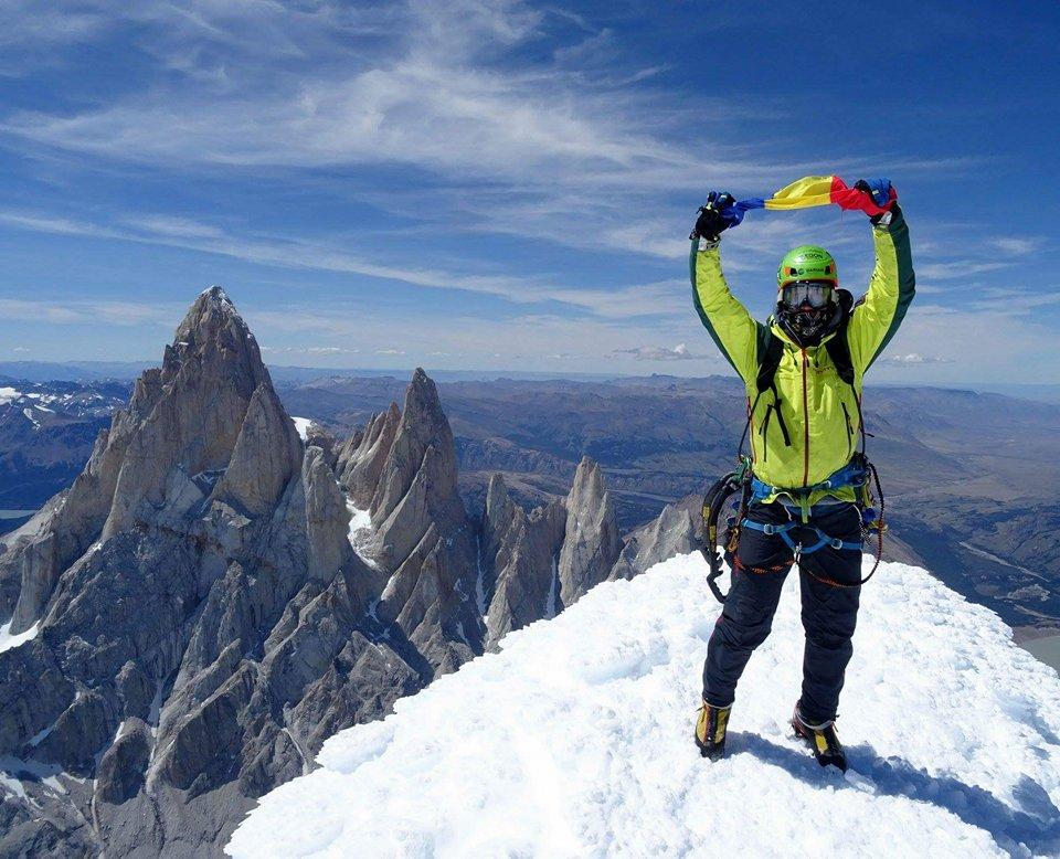 Alpiniştii români Vlad Căpuşan şi Zsolt Török au urcat pe vârful Cerro Torre din Patagonia, la 3.106 metri