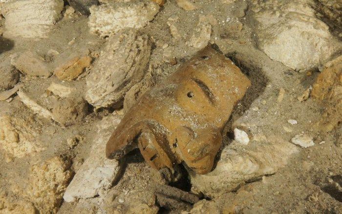 Peştera care ascunde artefacte mayaşe