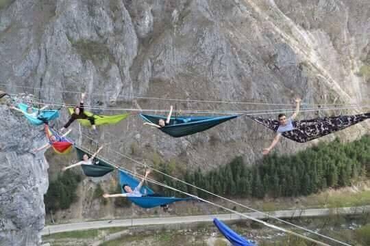 Hamace la înălţime în Gorj pentru turiştii care doresc să viziteze