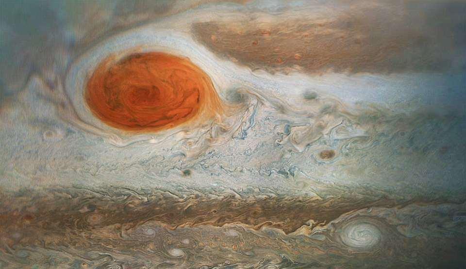 Noile imagini ale Marii Pete Roşii de pe Jupiter, realizate de sonda Juno a NASA