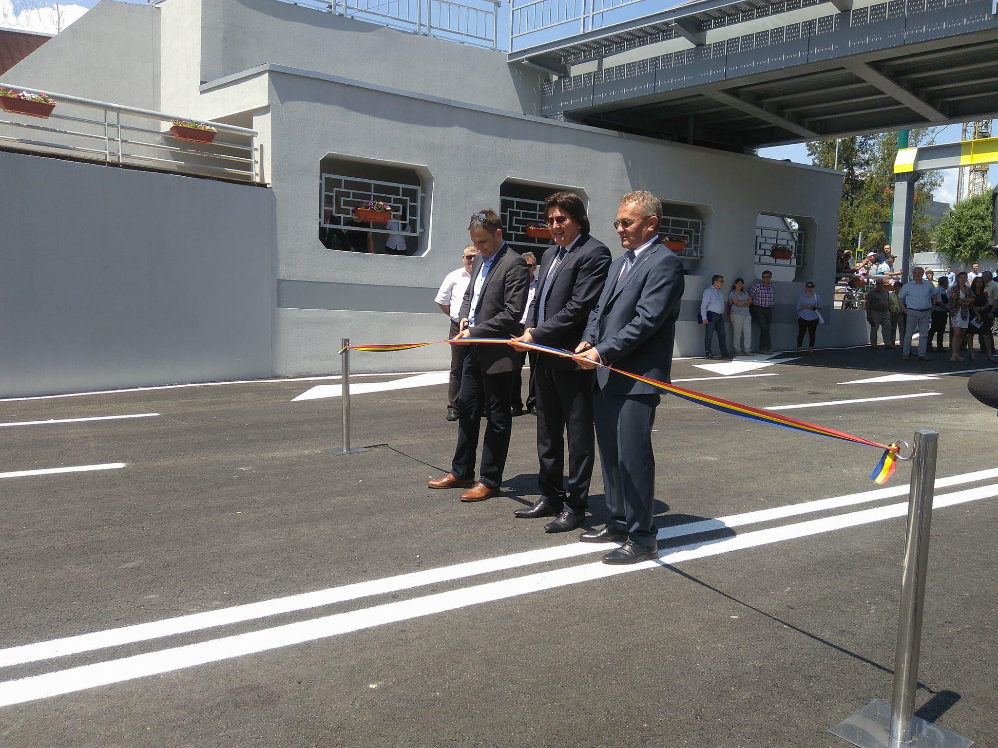 Marcaje rutiere întortocheate într-o intersecţie care a fost inaugurată în Timişoara