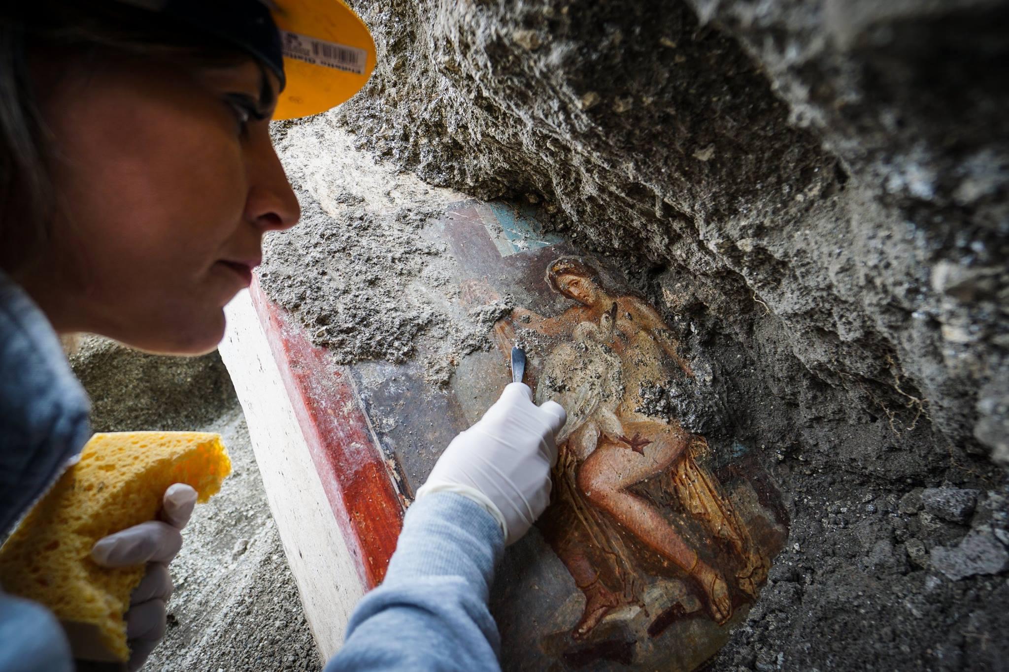 """Fresca unei regine """"senzuale"""" descoperită în Pompeii"""