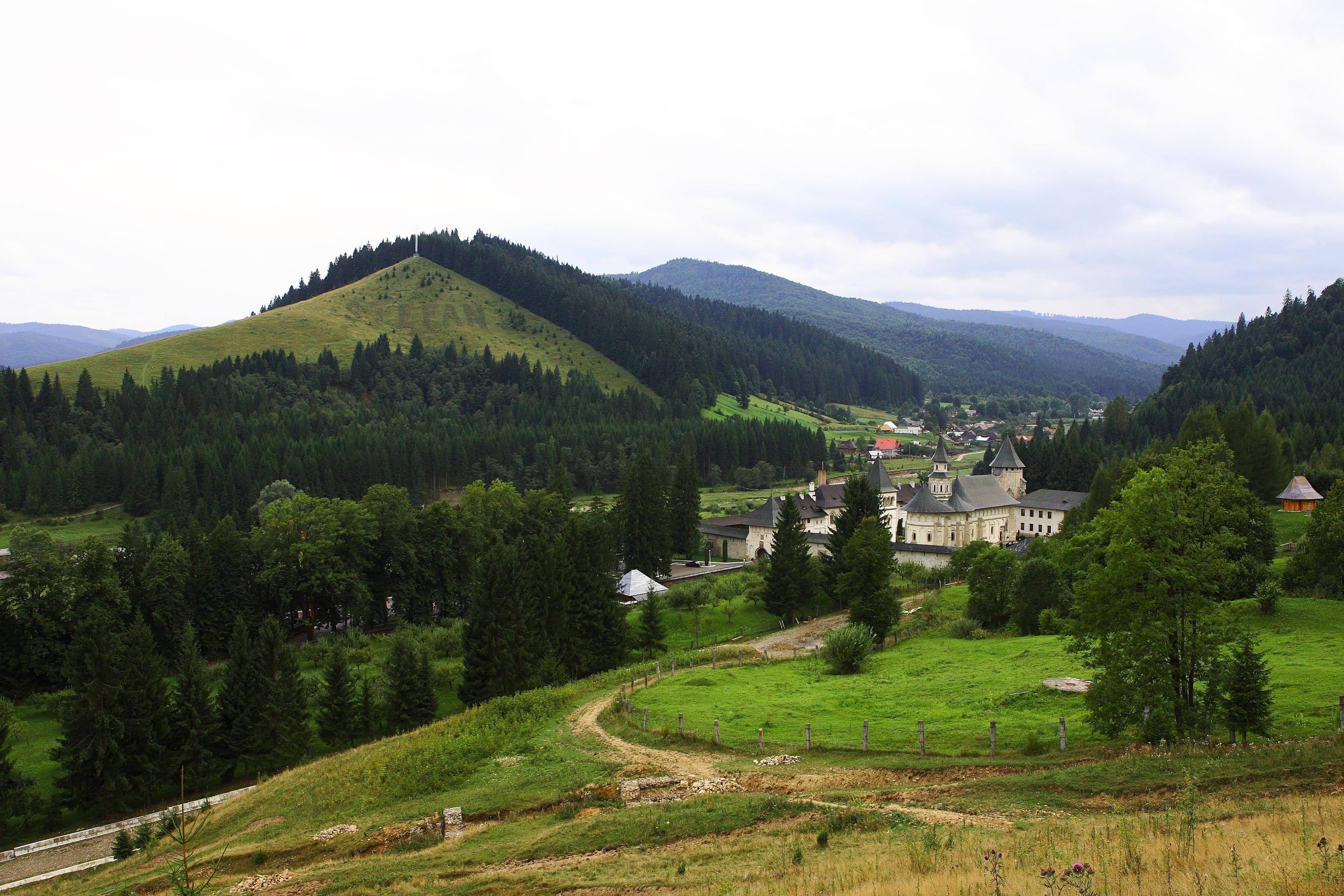 Mănăstirea Putna, în imagini