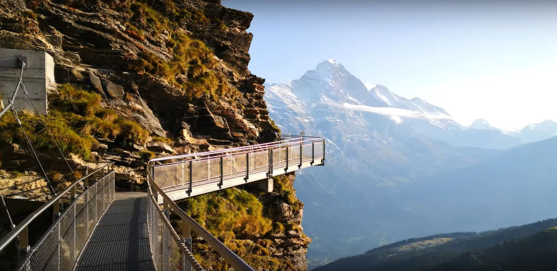 Pasarela First Cliff Walk din Elveţia, în imagini